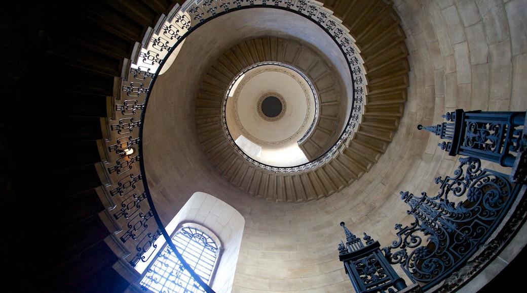 London Guildhall mostrando elementos de patrimônio e vistas internas