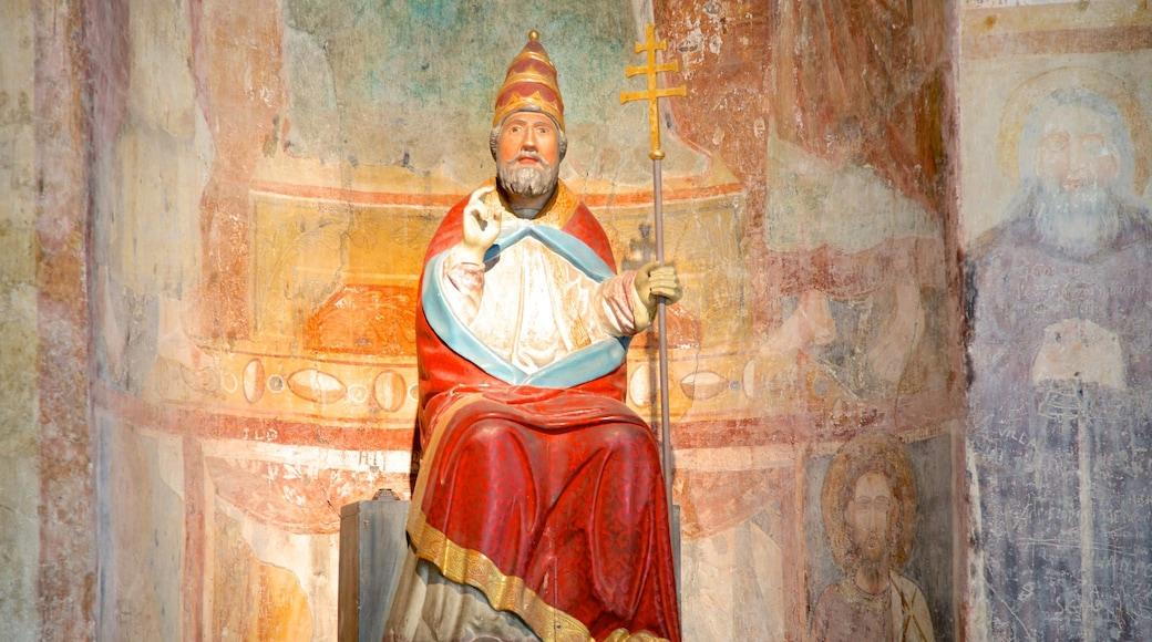 Chiesa di San Pietro caratteristiche di chiesa o cattedrale, elementi religiosi e oggetti d\'epoca