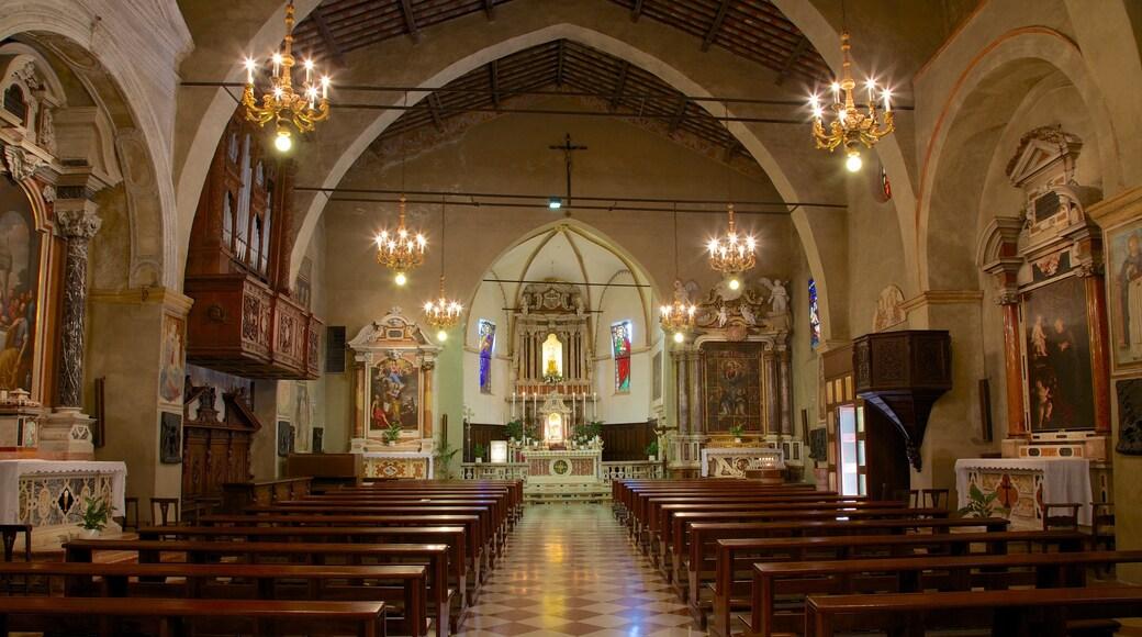 Santa Maria Maggiore mit einem Geschichtliches, religiöse Elemente und Kirche oder Kathedrale