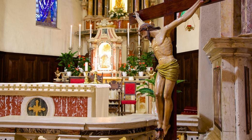 Santa Maria Maggiore das einen Innenansichten, Kirche oder Kathedrale und religiöse Elemente