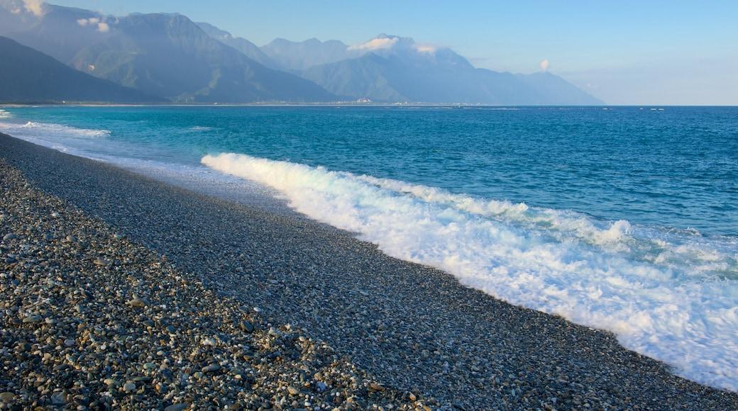 七星潭海灘 设有 鵝卵石海灘 和 海浪