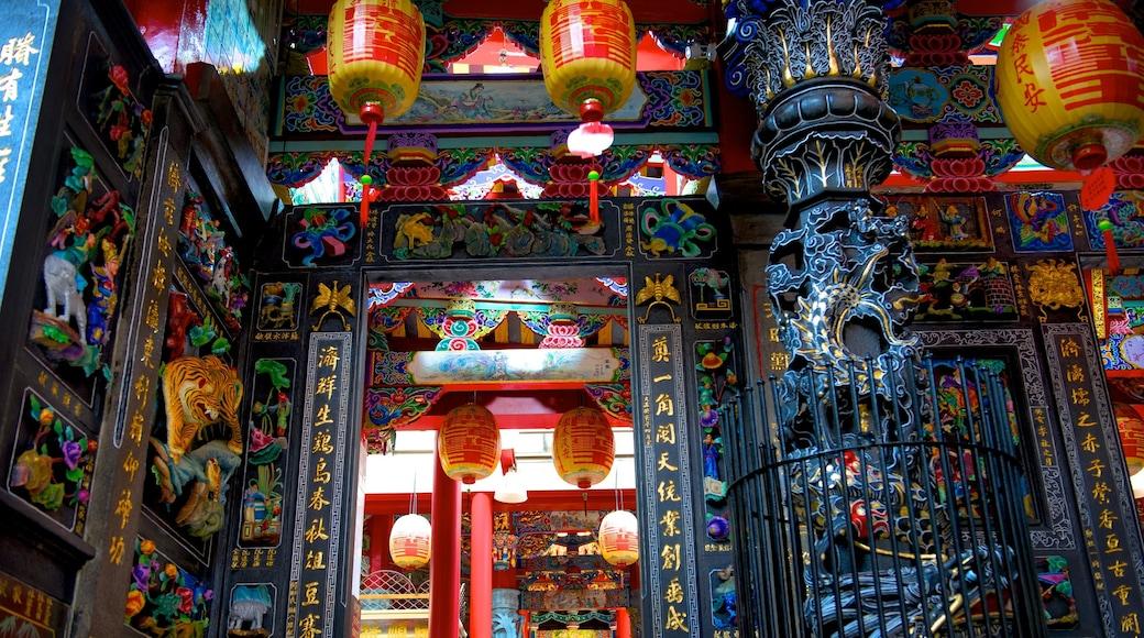 Dianji-Tempel das einen Geschichtliches und Tempel oder Andachtsstätte