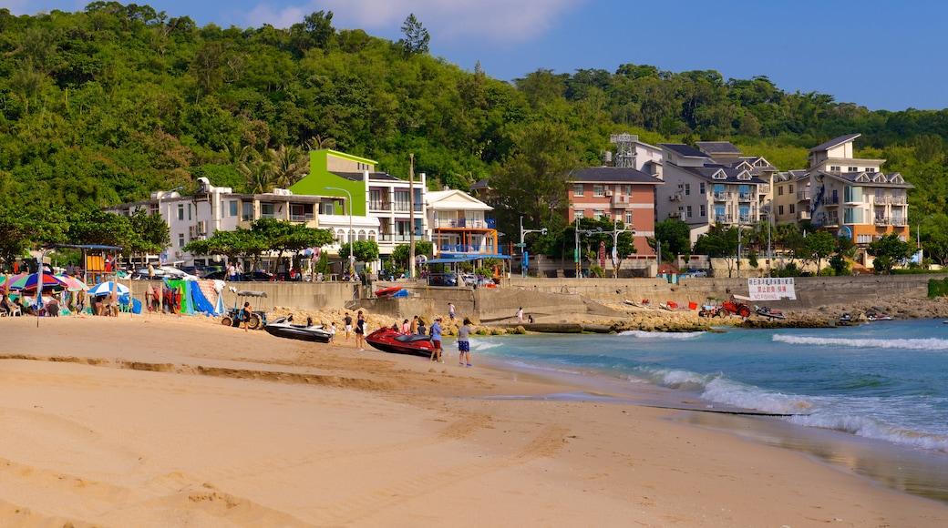 Nan Wan Beach which includes a beach