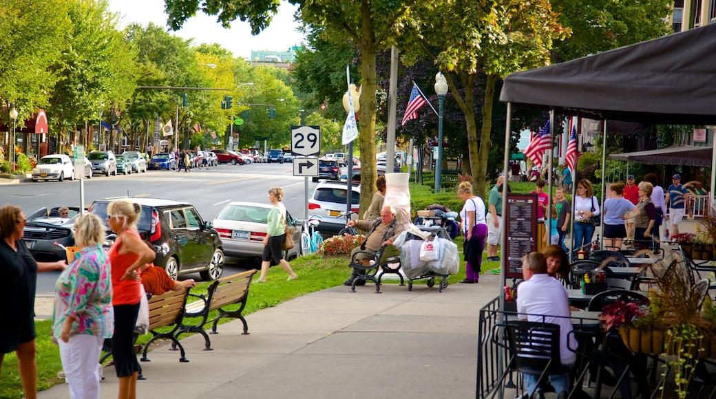 Saratoga Springs welches beinhaltet Stadt