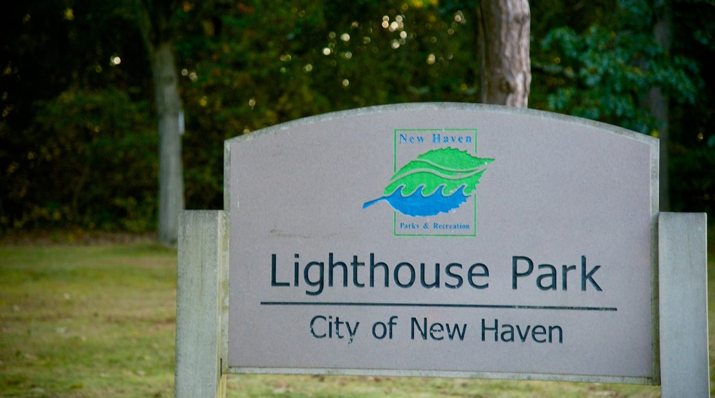 Lighthouse Point Park which includes signage