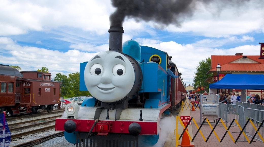 National Toy Train Museum mostrando elementos de patrimônio e itens de ferrovia