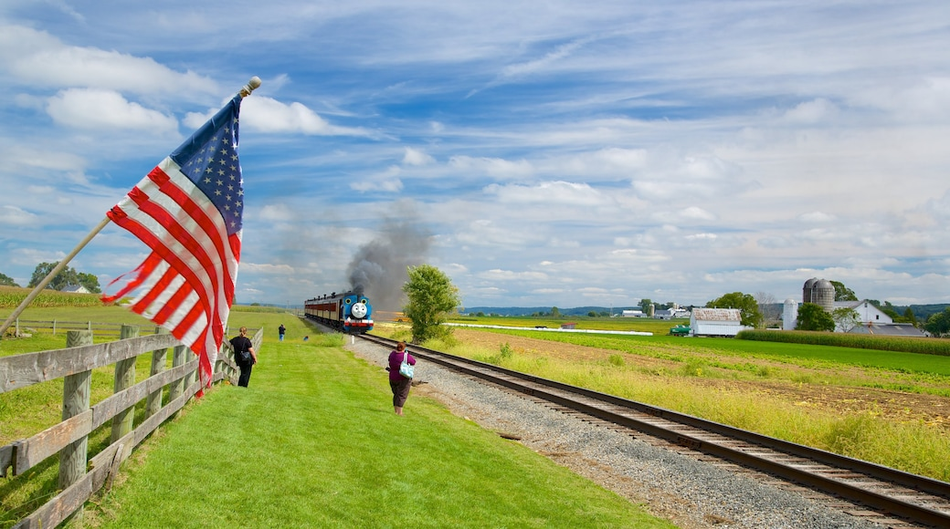 National Toy Train Museum caracterizando itens de ferrovia e paisagem