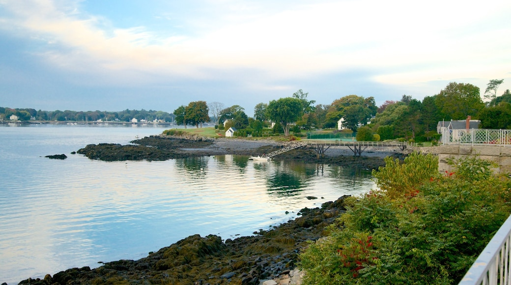 Fort McClary State Park which includes rugged coastline