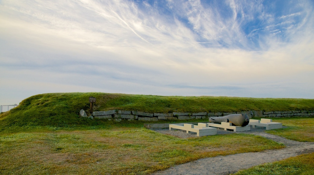 Fort McClary State Park featuring heritage elements