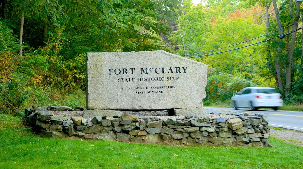 Fort McClary State Park showing heritage elements