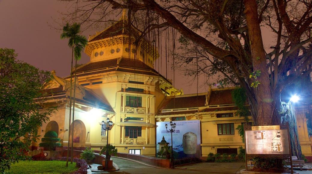 พิพิธภัณฑ์ประวัติศาสตร์แห่งชาติเวียดนาม ซึ่งรวมถึง วิวกลางคืน