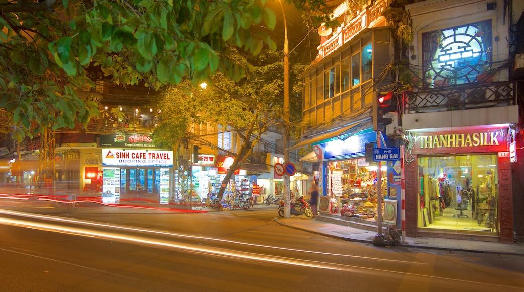 Hanoi mostrando paesaggio notturno, segnaletica e strade