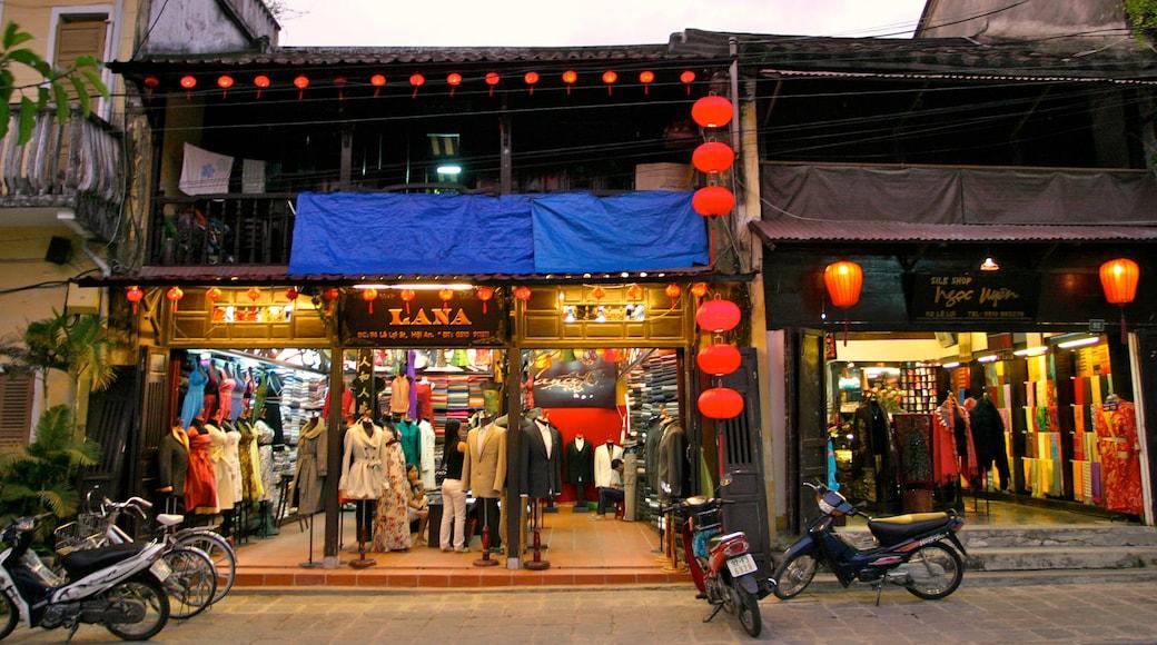 越南 其中包括 指示牌 和 購物
