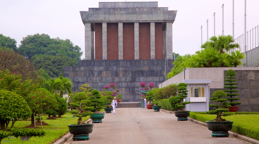 Ho Chi Minh Mausoleum which includes a garden and heritage architecture