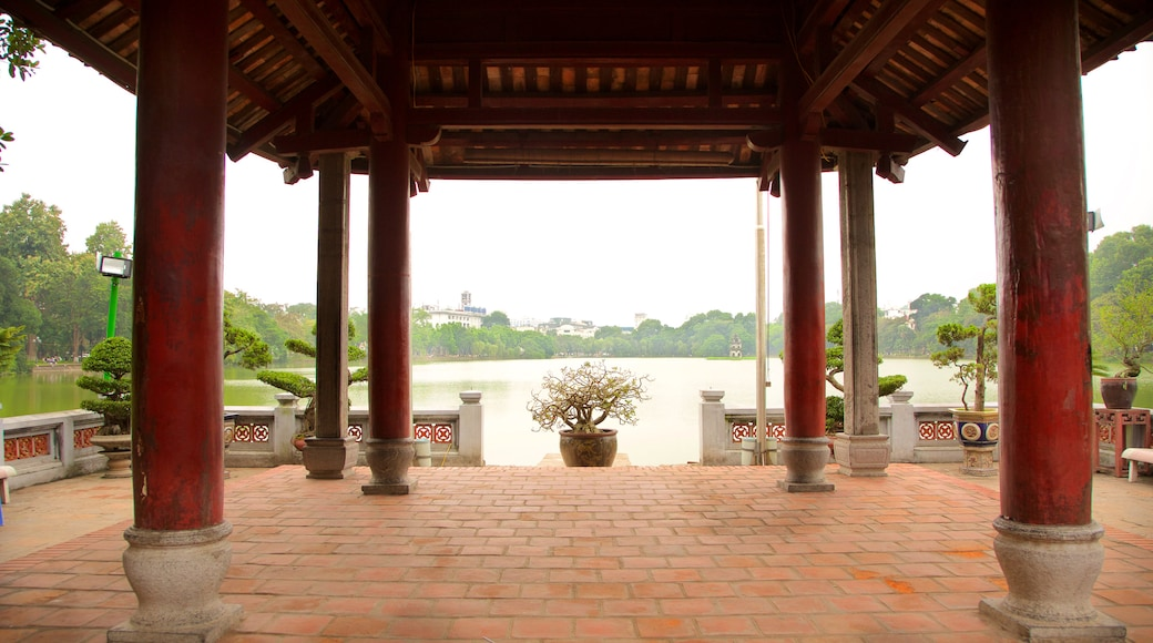 Ngoc Son Temple showing a temple or place of worship