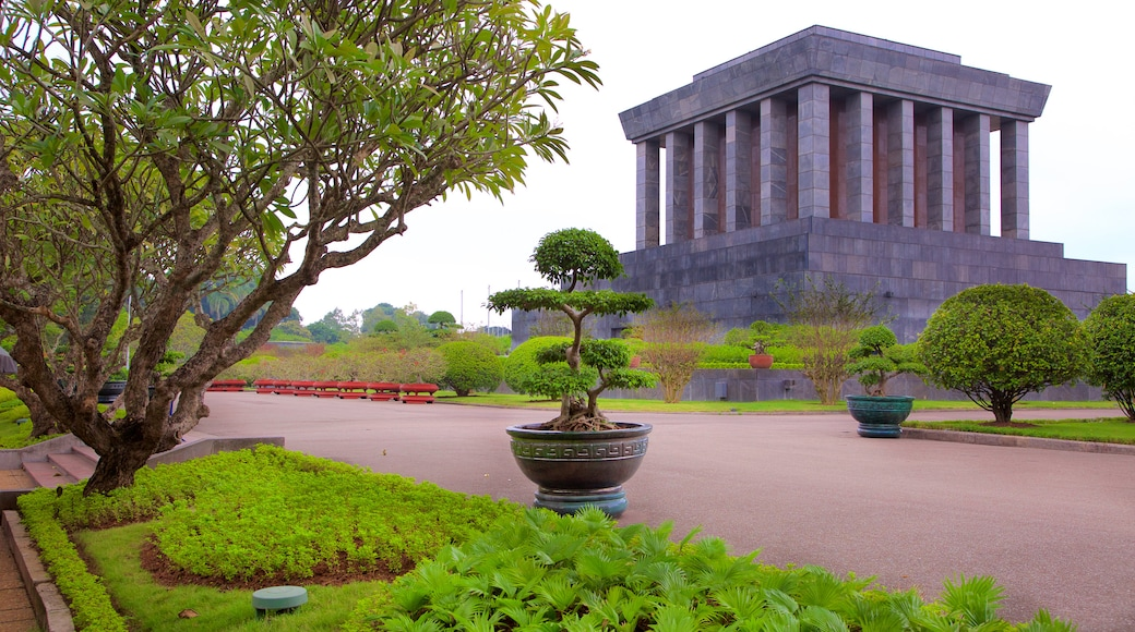 Ho Chi Minh Mausoleum featuring a monument and a garden