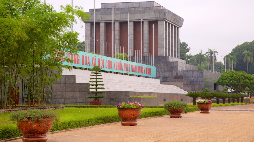 Ho Chi Minh Mausoleum which includes a park and a monument