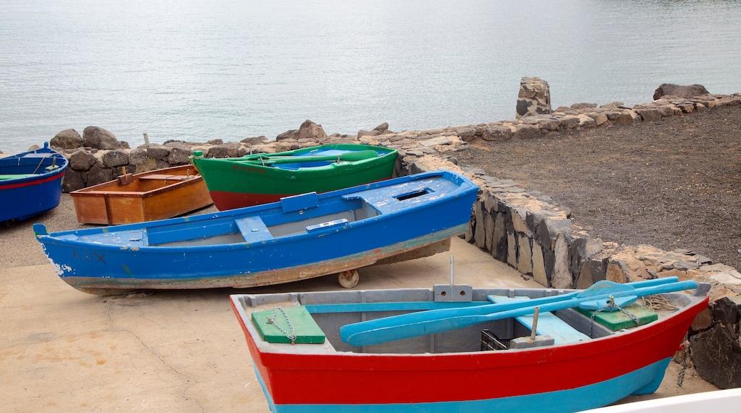 Puerto del Rosario mettant en vedette vues littorales et navigation