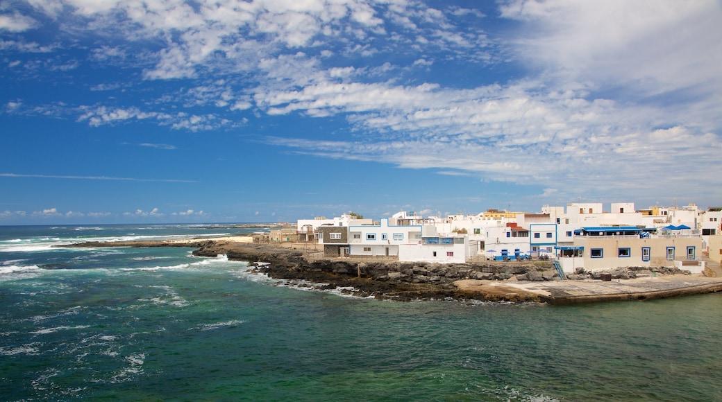 El Cotillo showing general coastal views, rugged coastline and a coastal town