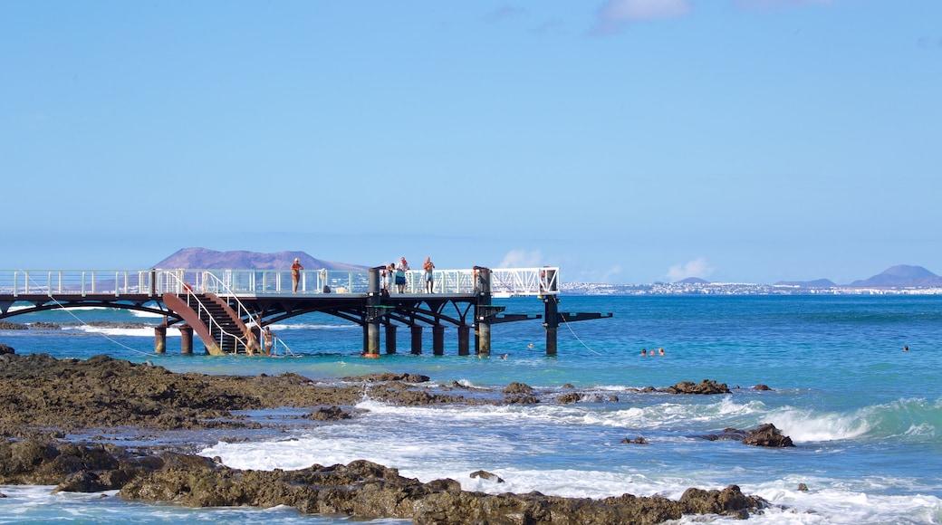 Corralejo showing views, general coastal views and rugged coastline