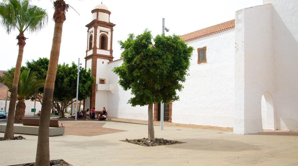 Antigua mit einem Platz oder Plaza