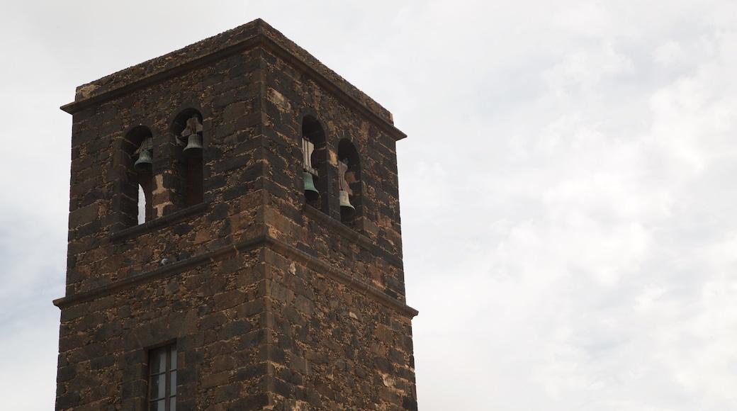 La Oliva mit einem Kirche oder Kathedrale