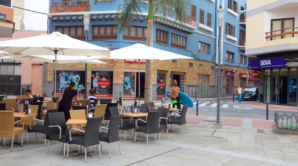 Las Palmas de Gran Canaria toont buiten eten en een stad