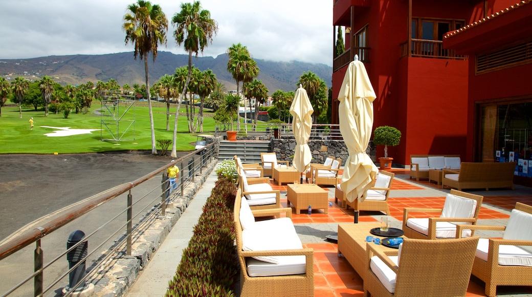 Golf Costa Adeje som viser cafélivsstil og golf