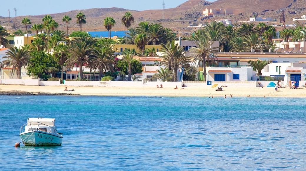 Corralejo inclusief varen, een kuststadje en algemene kustgezichten