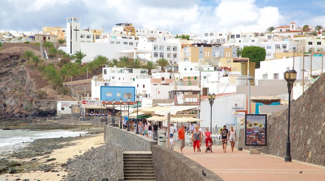 Morro Jable welches beinhaltet Küstenort und Sandstrand