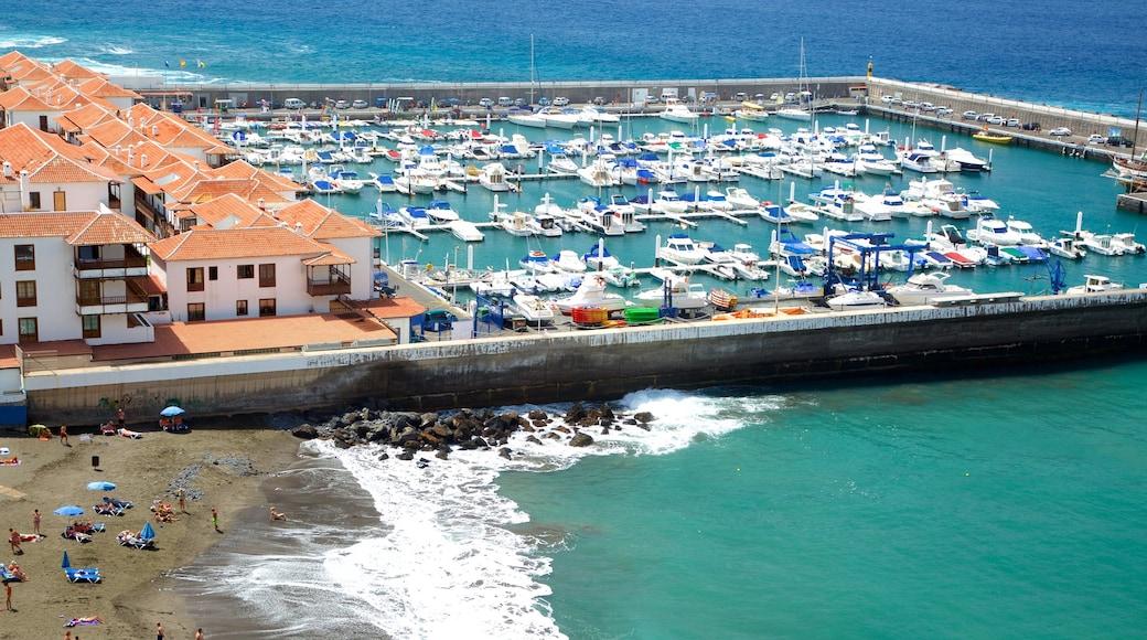 Los Gigantes qui includes baie ou port et navigation
