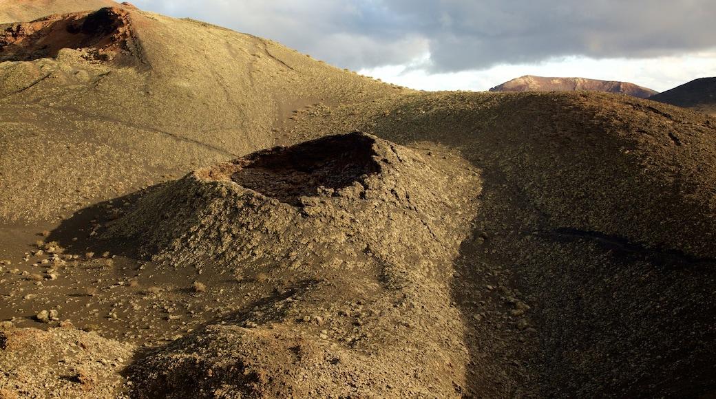 Teguise featuring desert views