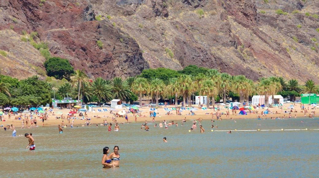 Teresitas Strand mit einem allgemeine Küstenansicht, Strand und Schwimmen