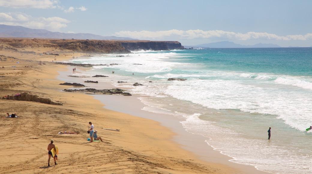 Cotillo Strand das einen schroffe Küste, allgemeine Küstenansicht und Strand