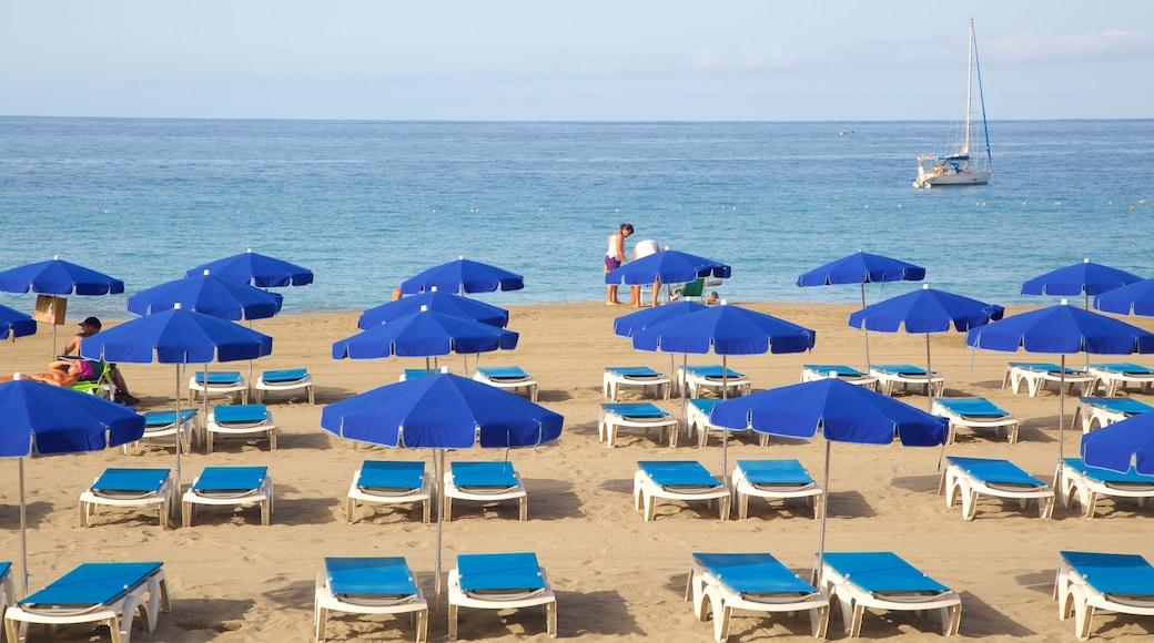Plage de Las Vistas mettant en vedette hôtel ou complexe de luxe, plage de sable et vues littorales