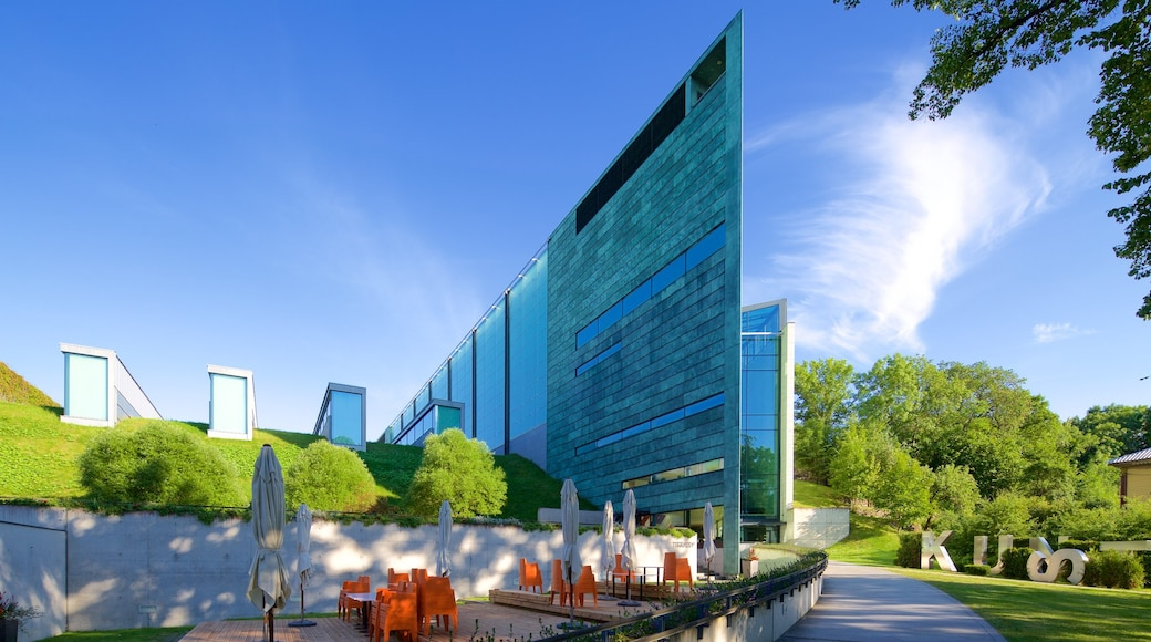 Kunstmuseum Kumu welches beinhaltet moderne Architektur