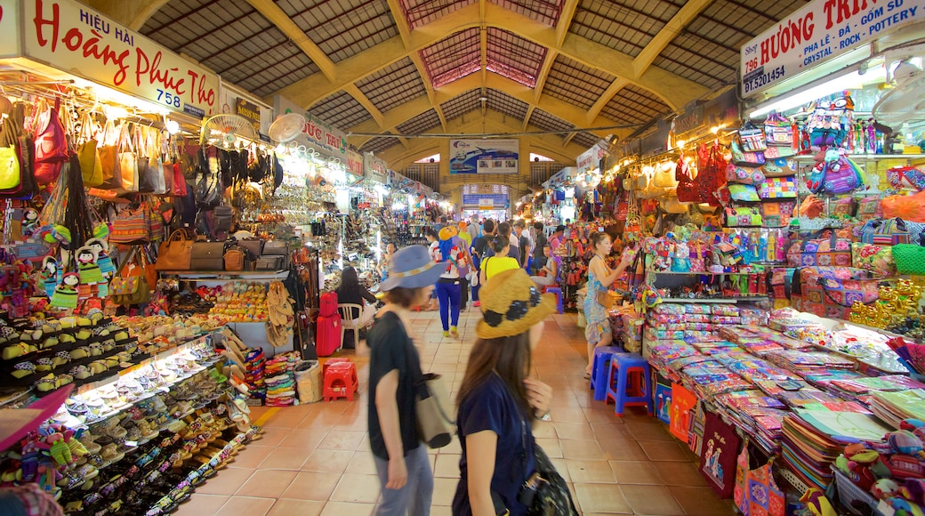 Ben Thanh Market which includes markets and shopping