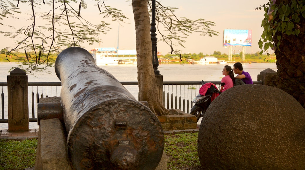 西貢河 设有 公園