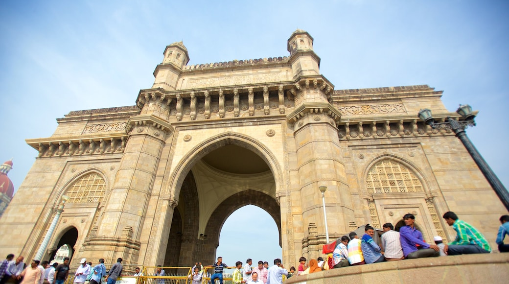 Gateway of India showing heritage architecture