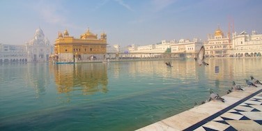 Golden Temple showing a lake or waterhole, heritage elements and heritage architecture
