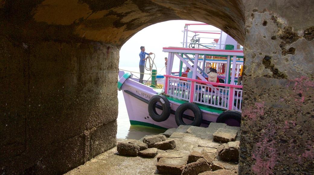 Elephanta Caves featuring boating