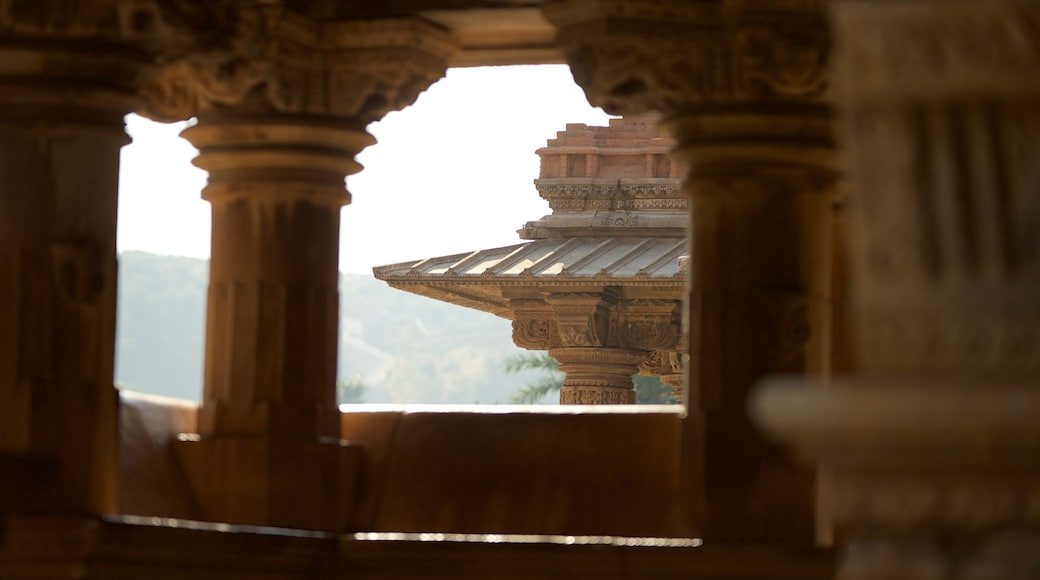 Nagda showing heritage elements, heritage architecture and a temple or place of worship
