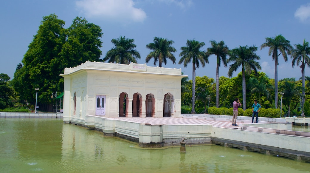 Yadavindra Gardens which includes a park, heritage architecture and a lake or waterhole