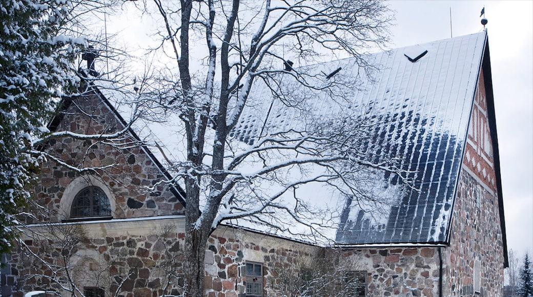 Espoo featuring lunta ja vanha arkkitehtuuri