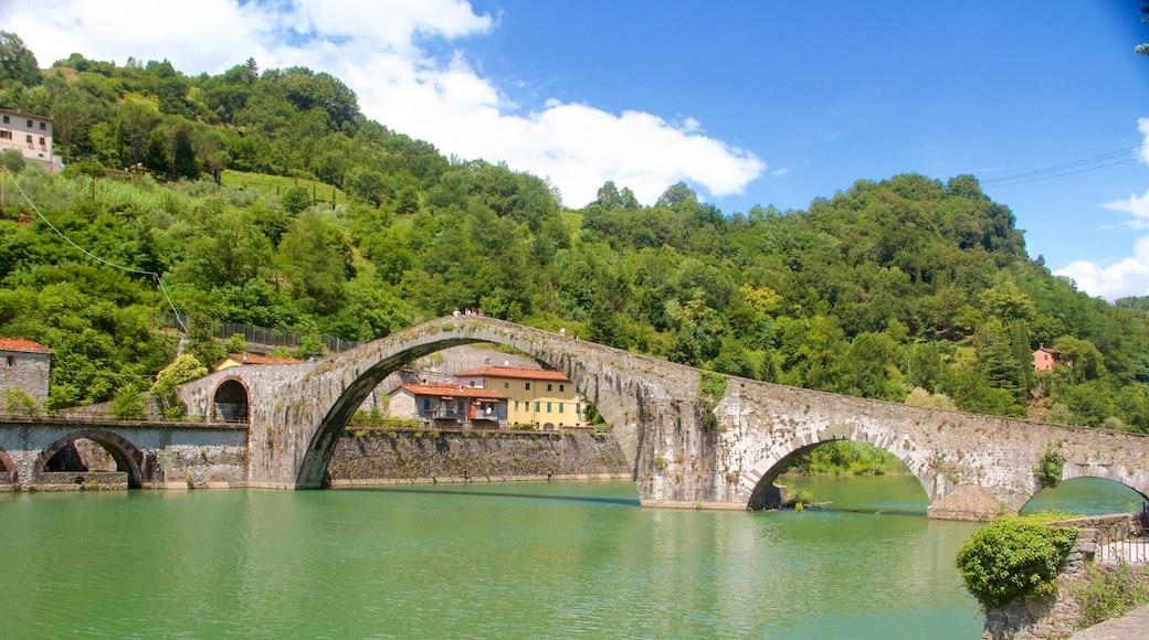 Ponte della Maddalena which includes a lake or waterhole and a bridge