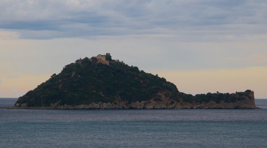San Remo - Riviera dei Fiori mettant en vedette vues littorales et vues d\'île