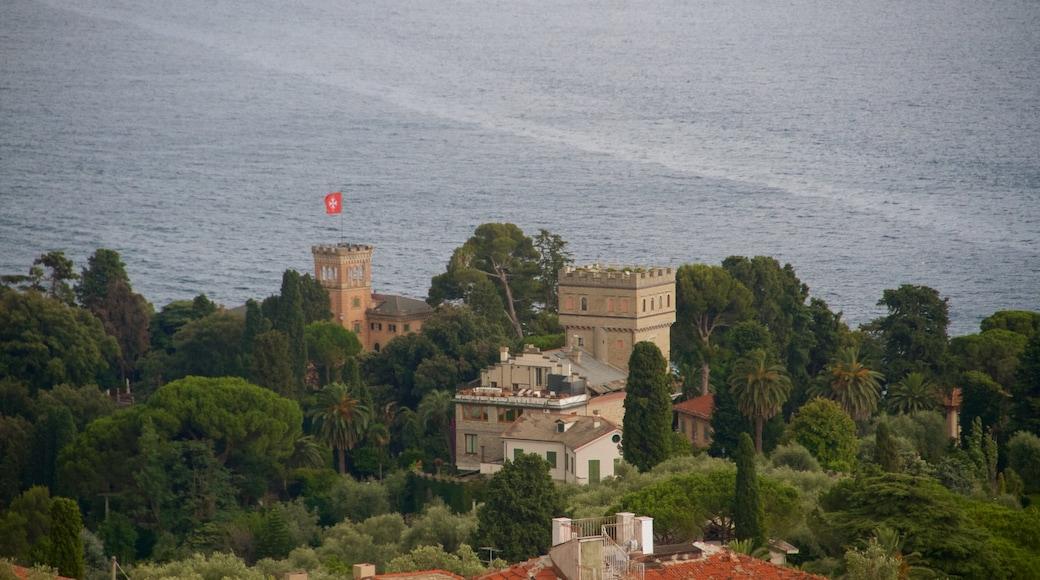 Portofino - Golfo Tigullio som visar historisk arkitektur och kustutsikter