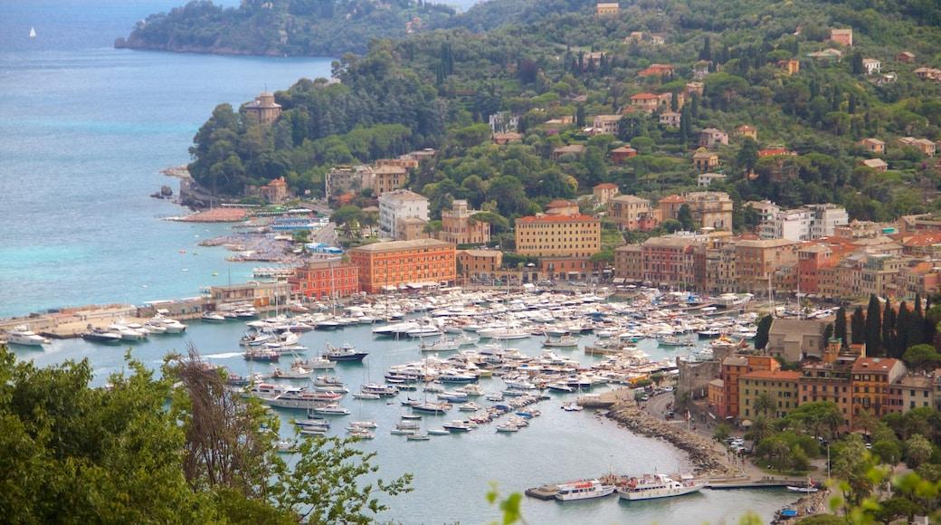 Portofino das einen Bootfahren, allgemeine Küstenansicht und Küstenort