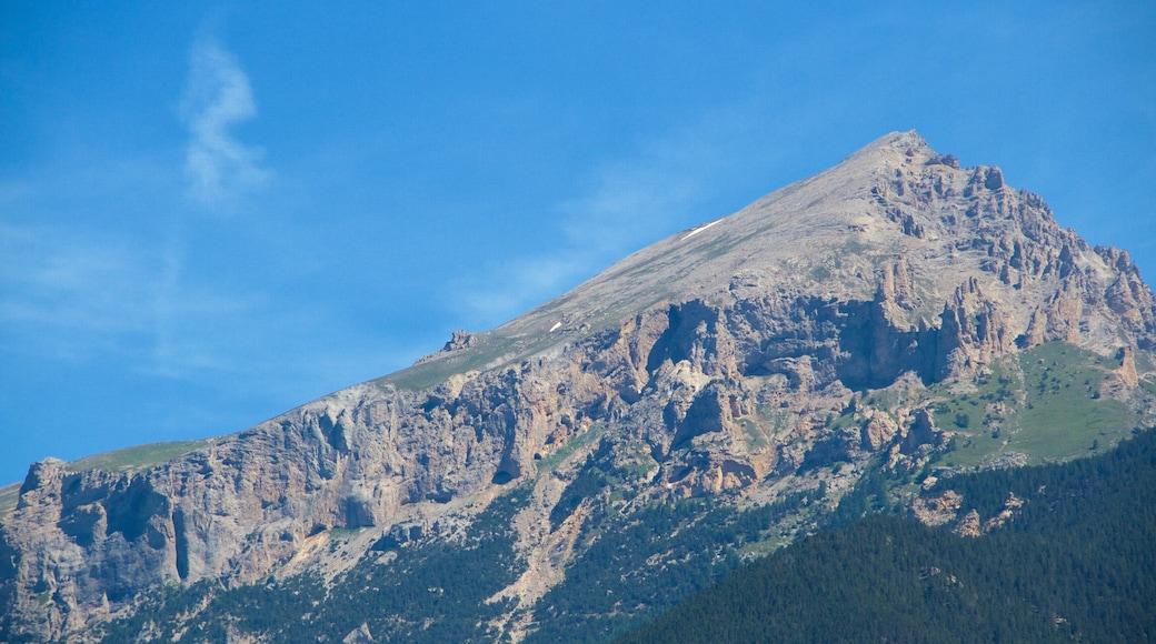 Sauze d\'Oulx showing mountains