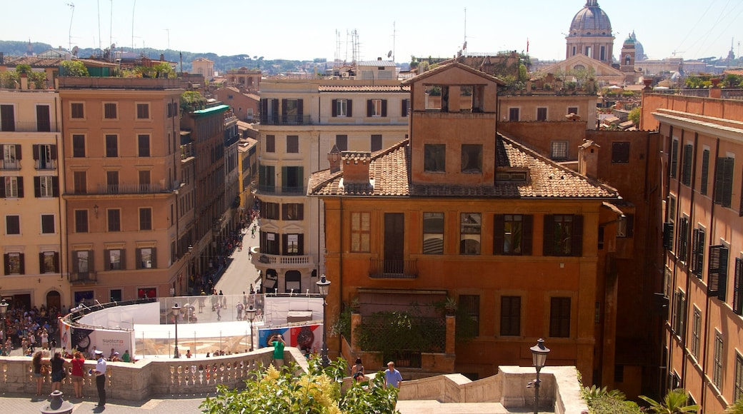 Piazza di Spagna showing a city and heritage architecture